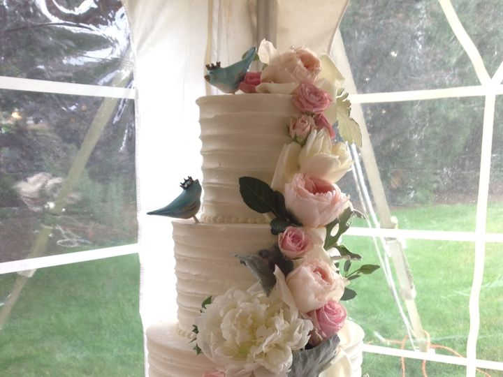 Tmx 1527560509 A4ac78244ce3541d 1527560508 Cf8cd5372e87e7cc 1527560512959 10 IMG 2210 Millersville, Pennsylvania wedding cake
