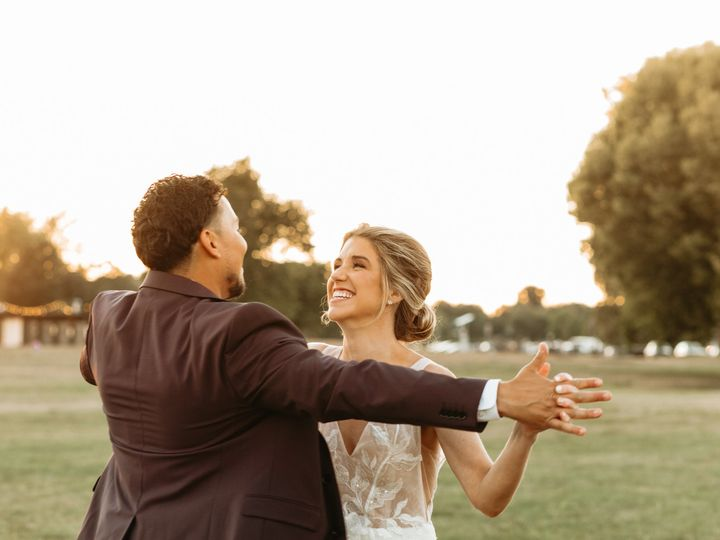 Tmx Allexx B Photography Madison Wi Backyard Wedding 12 51 1917081 159901140186958 Kenosha, WI wedding photography