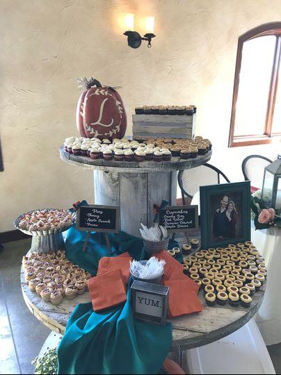 Fall wedding mini cupcakes
