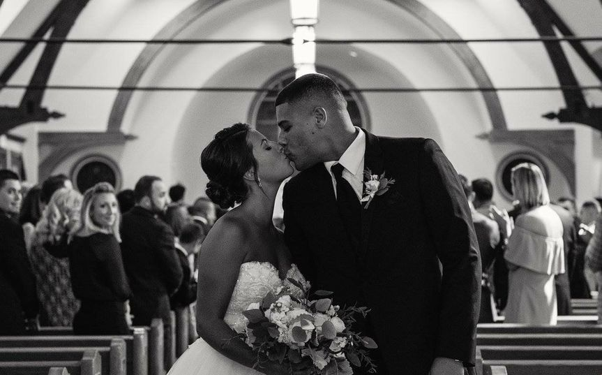 Newlyweds kissing | Cape Cod Classic Flair Photo