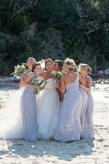 Bride and her bridesmaids | Cape Cod Classic Flair Photo