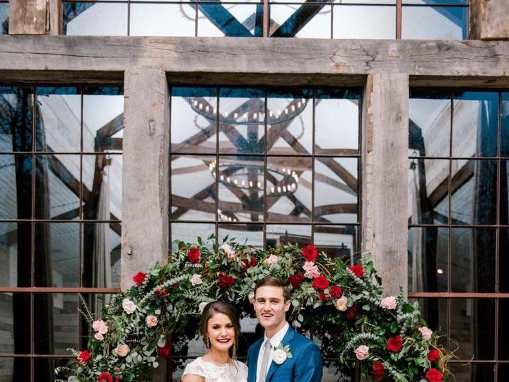 Tmx 022418 Stephanie And Jonathan Formals 173 51 29081 1556301990 Houston, TX wedding florist
