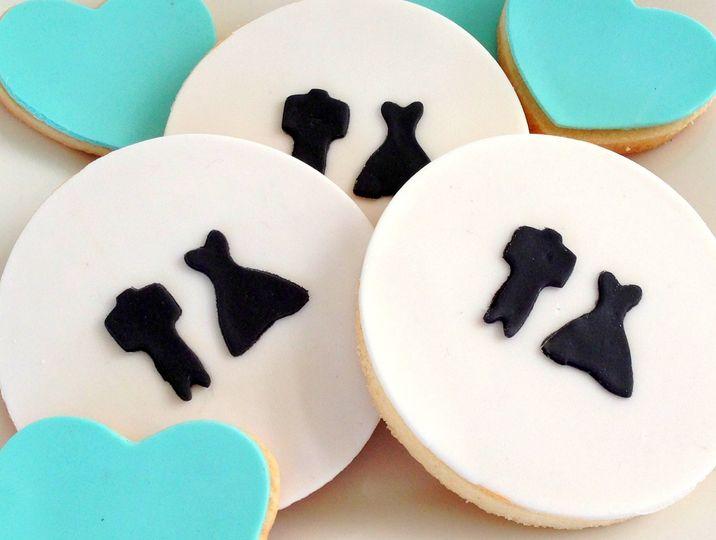 baby beas bakeshop bw wedding cookies