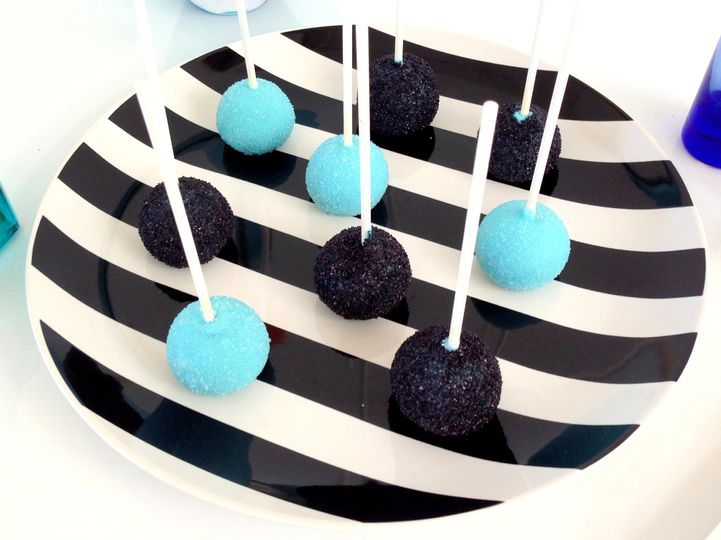 baby beas bakeshop blue blue sparkle cake pops