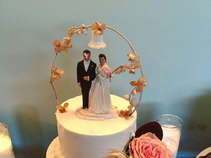 Tmx 1524872356 Edd8622348c34ea5 1524872354 59bdb7d79bd59d83 1524872352321 1 IMG 7110 Thousand Oaks, CA wedding cake