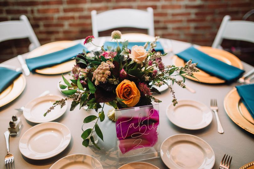 Floral centerpiece-Laura Von Photography