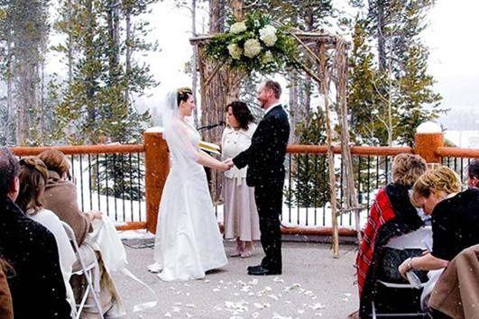Blue Sky Lodge outdoor patio ceremony location.