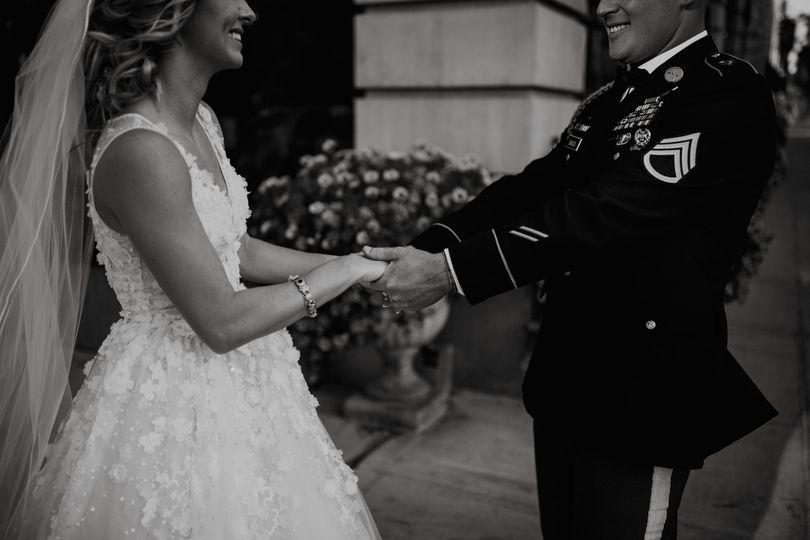 spokane davenport hotel washington amy stone photography classic outdoor intimate wedding photos 378 51 174181