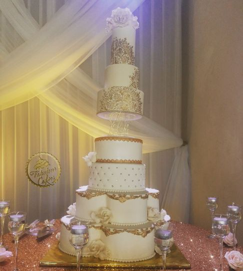 Royal theme-inspired cake