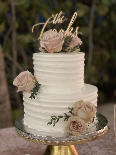 Unique D'Lites Cake