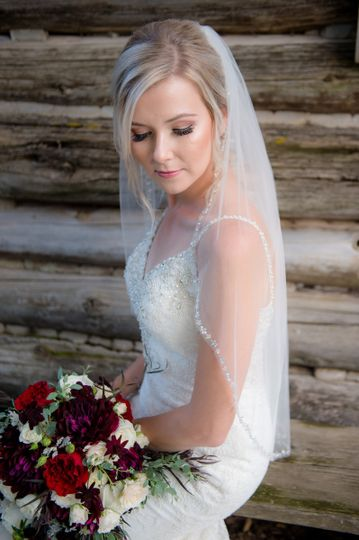 Bride's veil and bouquet