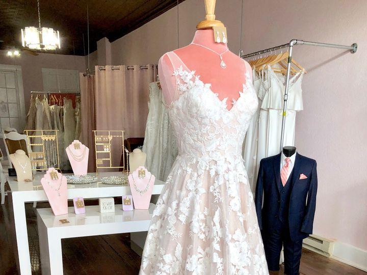 Tmx Img 3240 51 1048181 1560207996 Dubuque, IA wedding dress