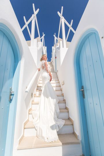 Bride in santorini