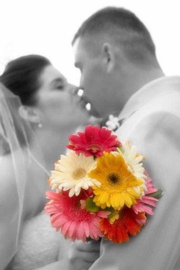 Jessi & Robbie - 7.1.06 -- Starpointe Resident's Club in Goodyear (Photo by Nelsons Weddings)
