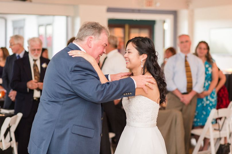 Bride and her dad have their dance together.