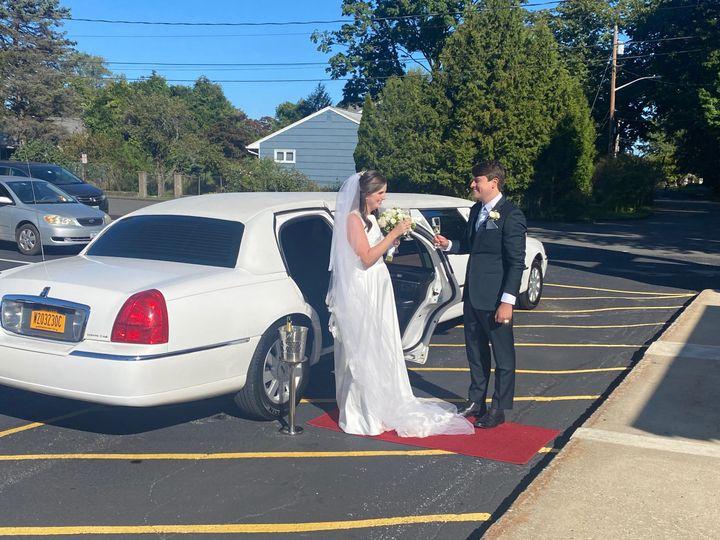 Tmx Img 0404 51 926281 160762991736411 Montrose, NY wedding transportation