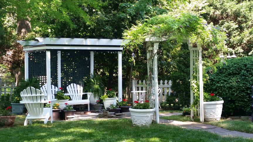 Churchill Garden Area