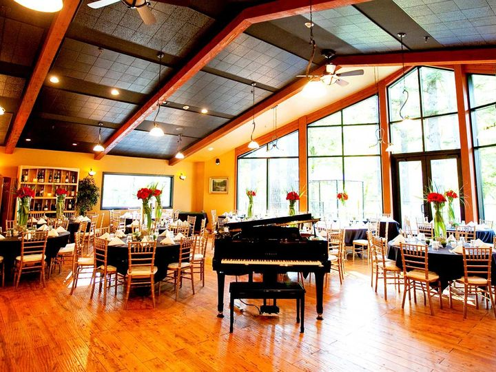 Tmx 1517685735 560aa75fc12a6ba4 1517685733 E6e38acb2786f1ec 1517685728232 3 001 Troutdale, OR wedding venue