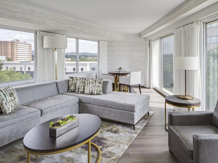 Tmx Hyatt Regency Greenville Panorama Suite Living Overview 51 187281 159492721644025 Greenville, SC wedding venue