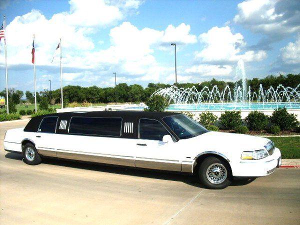 Opus, 8 passenger tuxedo limo