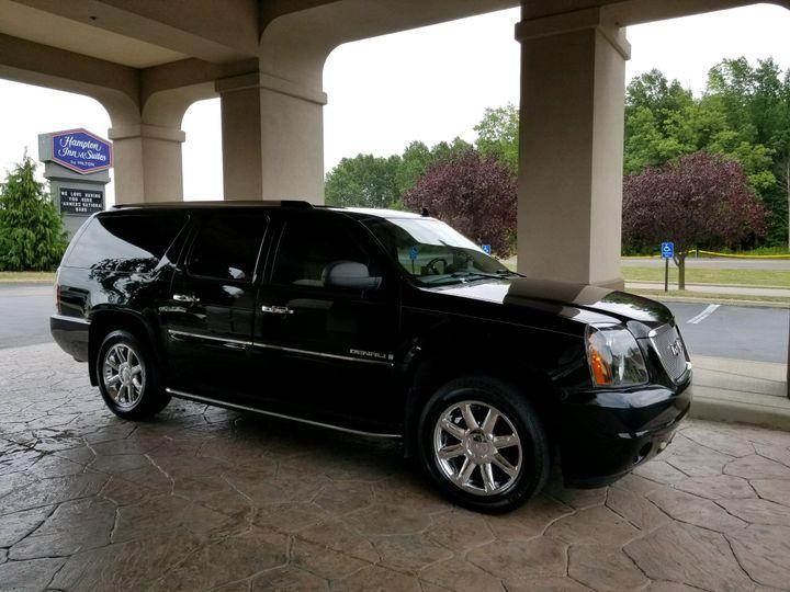 Tmx Gmc Yukon Denali Xl Luxury Suv Exterior 1 51 903381 Youngstown, Ohio wedding transportation