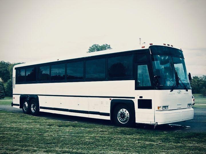Tmx Mci 102 C3 Motorcoach Exterior 1 51 903381 Youngstown, Ohio wedding transportation