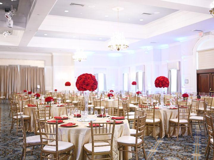 Tmx Dsc 2773 Hh Room 51 353381 1572316210 Haymarket, VA wedding florist