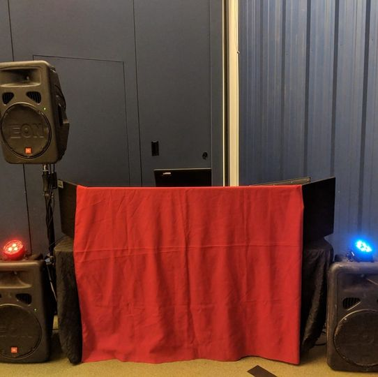 Setup at a sweet 16
