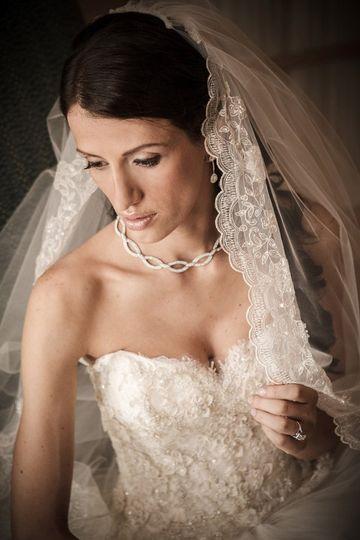 BrideholdingVeilVinoyStPetersburg