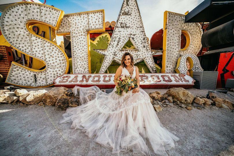 Bridal Photo @ The Neon Museum