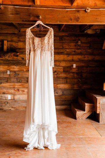Wedding Dress / Barn