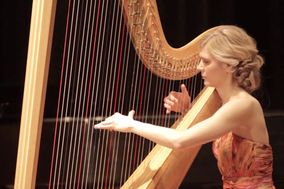 Harpist Carly Nelson