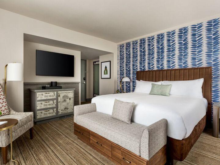 Tmx 1 K Bed Guestroom 1372545 51 1020481 1572357060 Green Bay, WI wedding venue