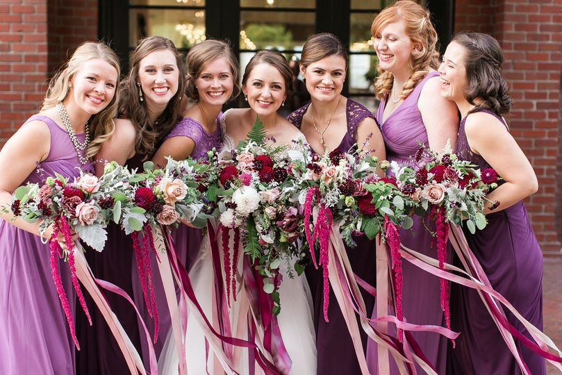 a2548aa77baa9356 Hollywood Schoolhouse Woodinville wedding flowers by Tobey Nel