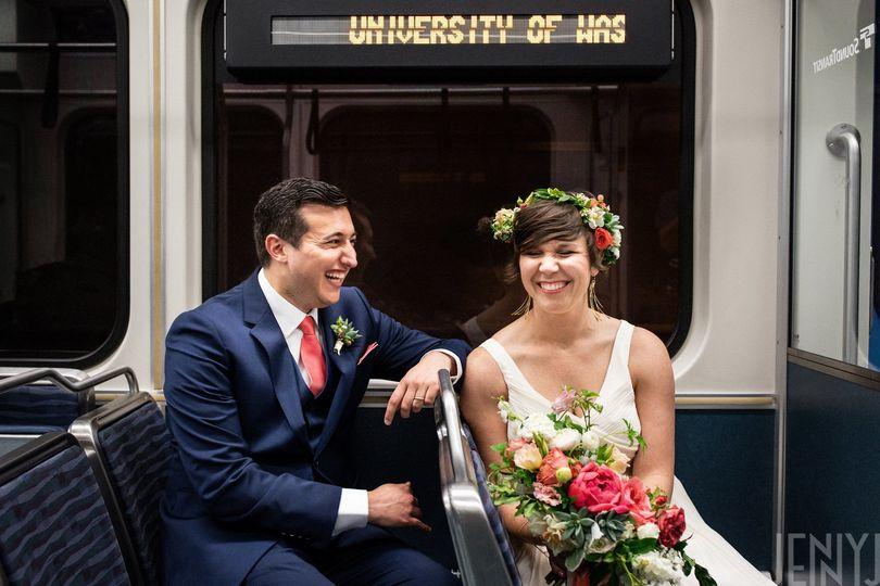 1117474f5f5abec3 1536165979 077a7338ede9307a 1536165976590 4 Seattle Wedding Fl
