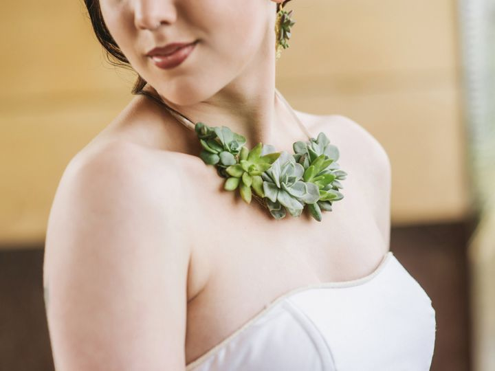 Tmx 1467393473410 Living Jewelry By Vases Wild Image By Suzanne Roth Langley, WA wedding florist