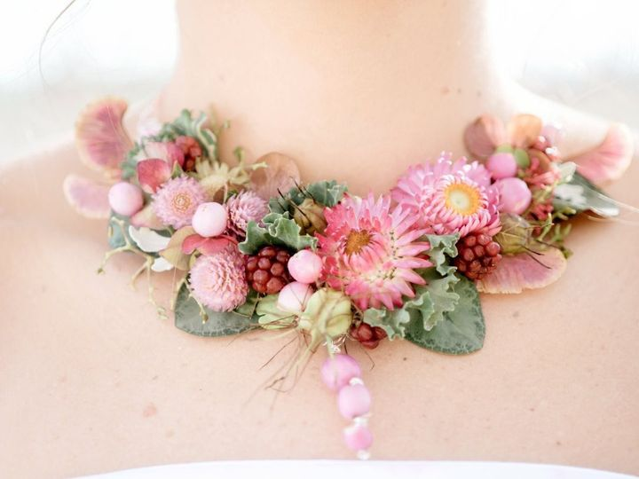 Tmx 1467393714728 Floral Necklace By Vases Wild Image By Suzanne Rot Langley, WA wedding florist