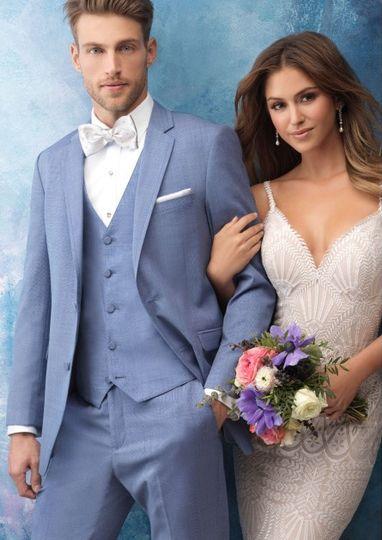 Smart formalwear tux