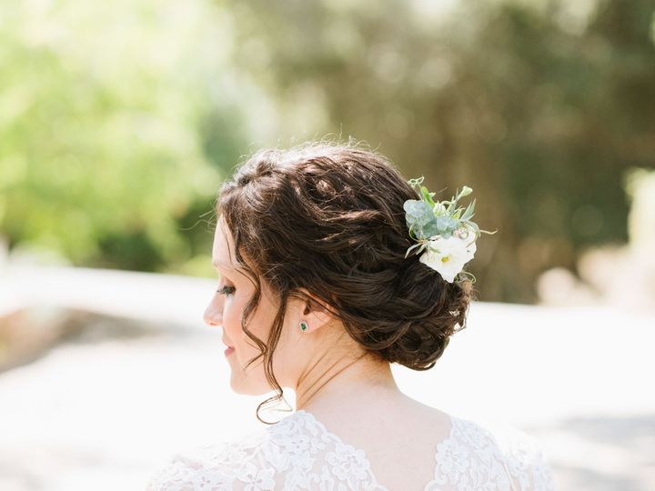 Tmx 1521163103 37ce51a92ab6b67a 1521163101 504e8128c5d4a9d6 1521163085496 21 Caitlinoreillypho Santa Rosa, CA wedding beauty