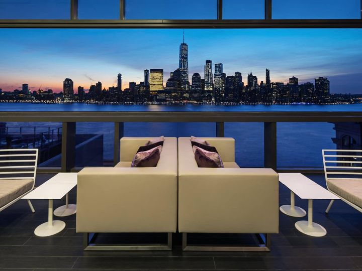 Tmx Hyatt House Jersey City Bar Seating Manhattan Sunset View 51 1753481 158254317775695 Jersey City, NJ wedding venue