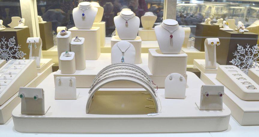 16 fine jewelry showcase 2 bookman and son