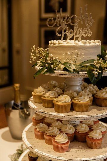 Cupcakes: Sweet Em's