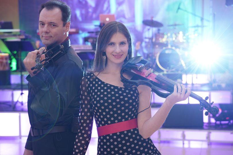 Rocking electric violin show