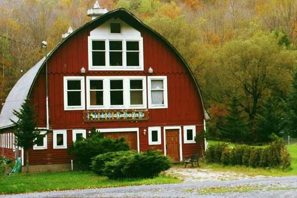 ffec00ec4859e673 exterior barn wedding venue