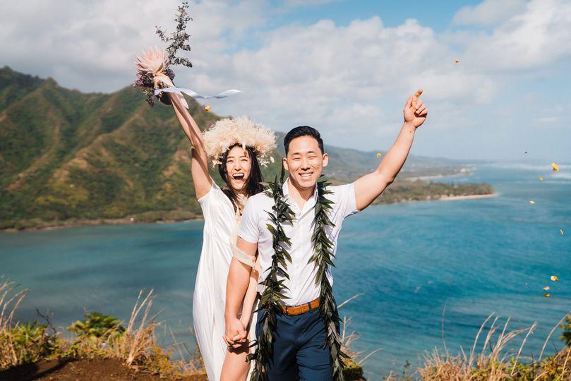crouching lion hike elopement hawaii adventure elopement photographer sydney and ryan kroll 1 51 1056581 160175716558511