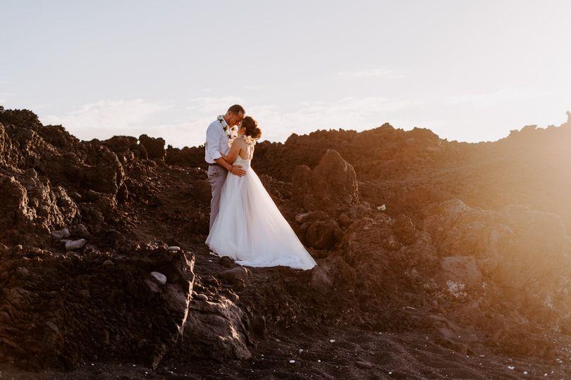 kiholo bay big island hawai elopement black sand beach christina gabe sydney and ryan photography 15 51 1056581 1560367240