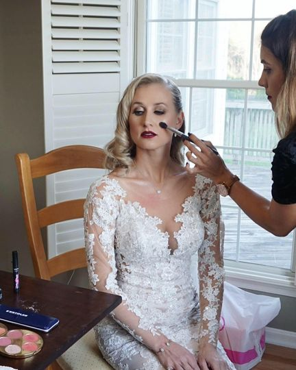 Last touches of makeup