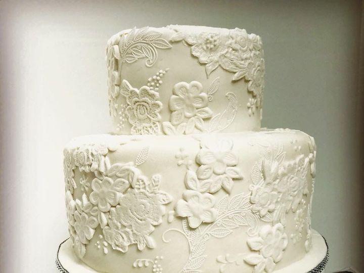Tmx 1539021331 8ff882eed864a18a 1539021330 06127934edd5c7ac 1539021332564 8 IMG 1899 Winston Salem, North Carolina wedding cake