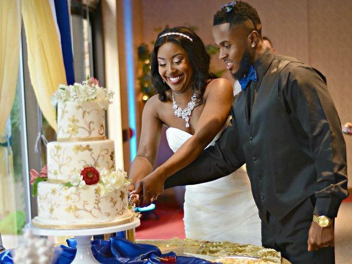 Tmx 1539021339 912823c0c9e75917 1539021338 Ed8078282f601ff8 1539021340083 11 IMG 0815 Winston Salem, North Carolina wedding cake