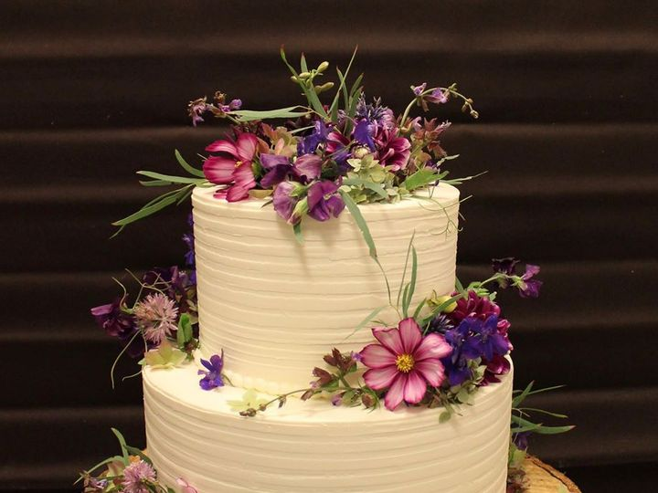 Tmx 13925501 10100129619703388 8794577483594733691 O1 51 38581 Portland, OR wedding cake
